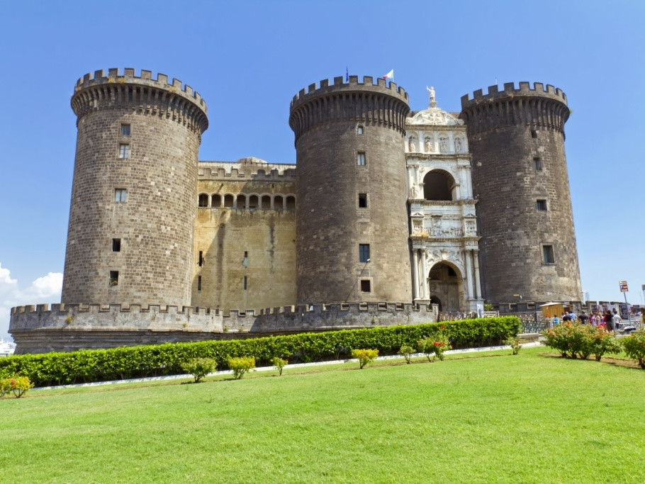 Naples private tour - Maschio Angioino