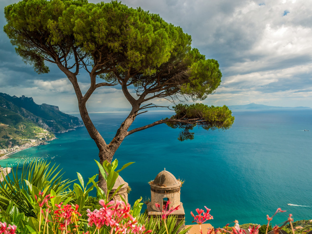 Tour Amalfi coast - Positano view with its bay